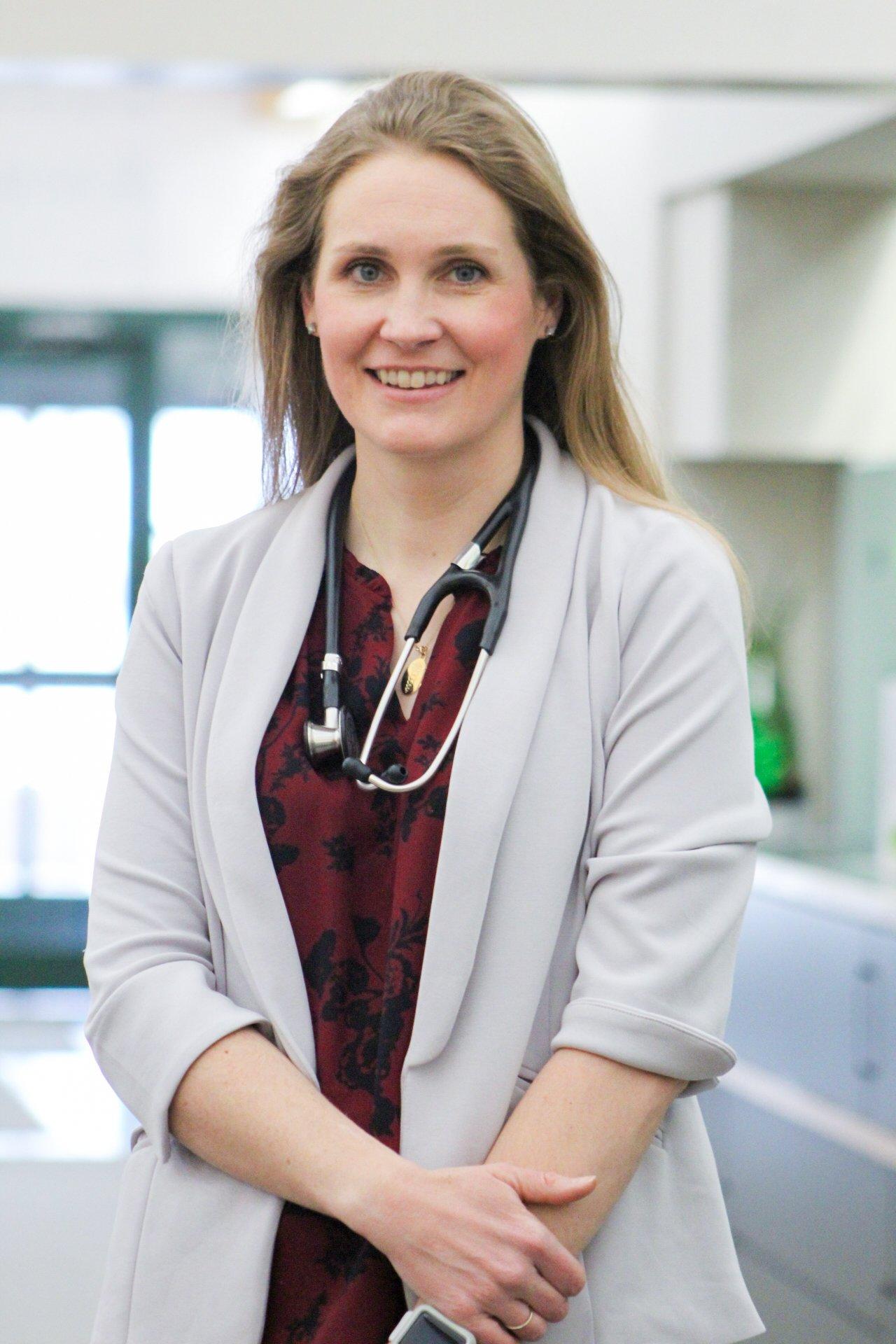 Dr. Lindsey Paulson